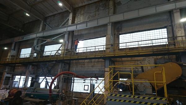 Установка окно на промышленном объекте