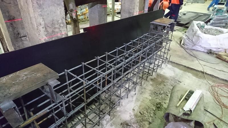 Установка бетонных полов на заводе